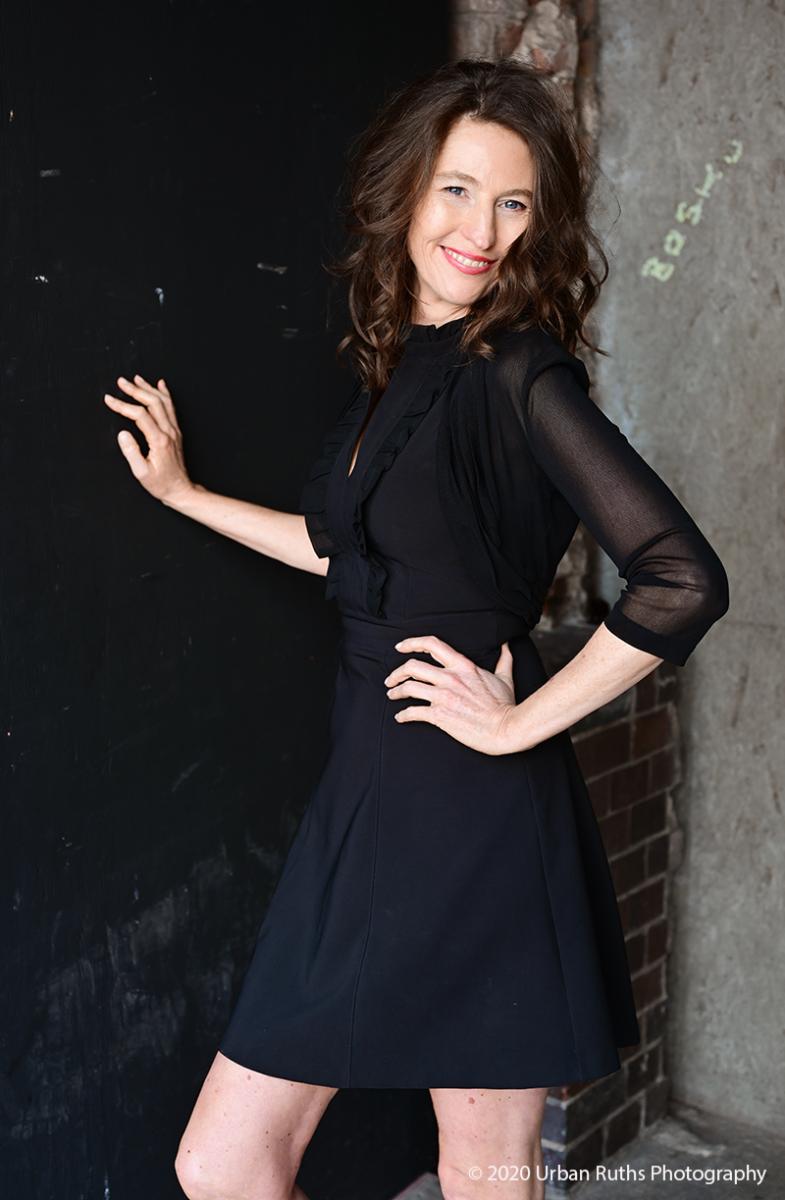 Corinna Bergmann black wall